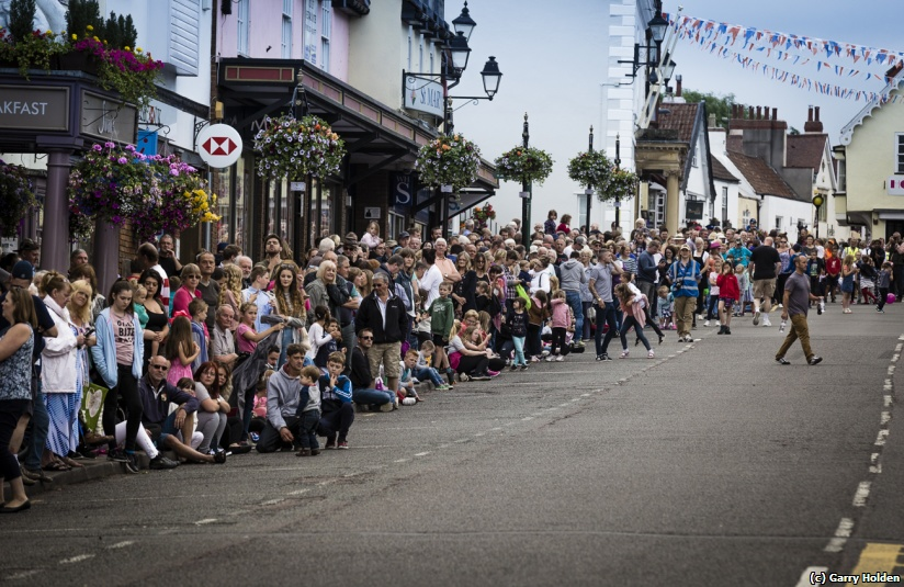 Crowds awaiting the Parade